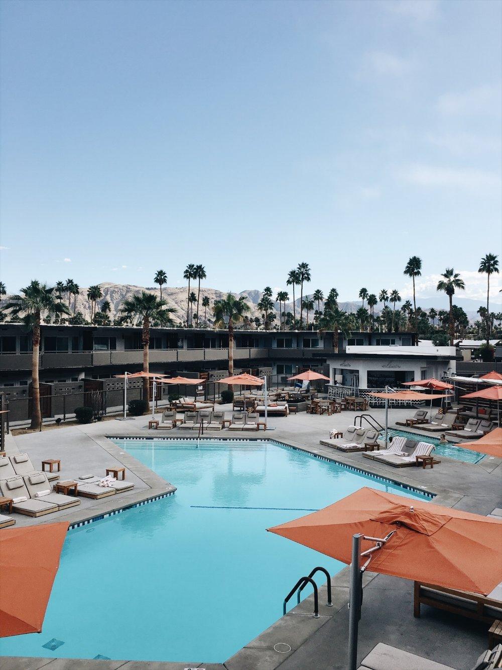 1baee-seesoomuch_v_palm_springs_hotel_pool.jpg