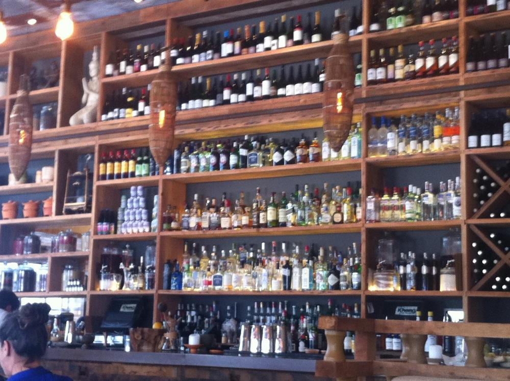 Nunca vi tanta garrafa de Gin diferente junta na minha vida!