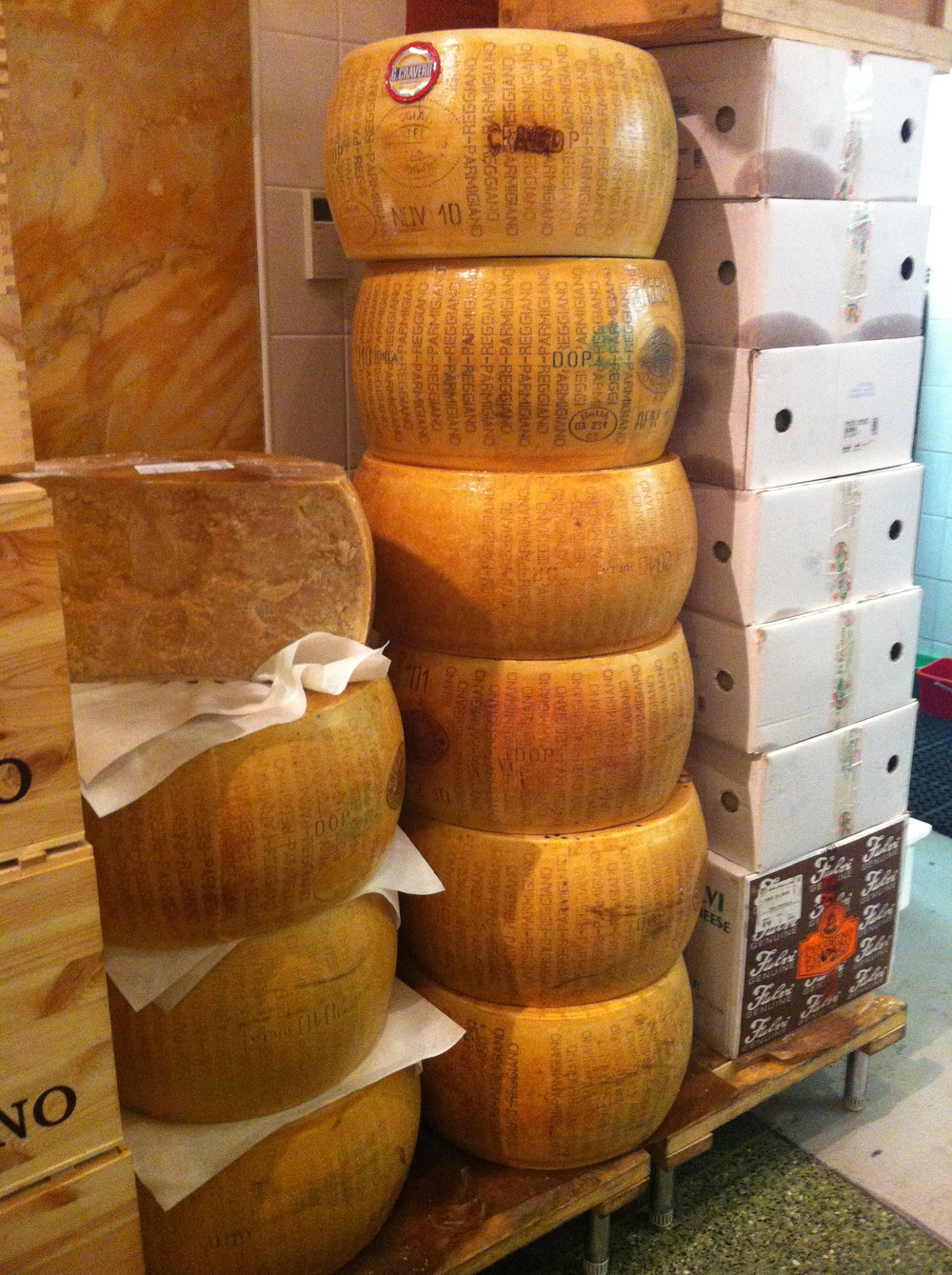 Pense numas 'roda' de queijo?