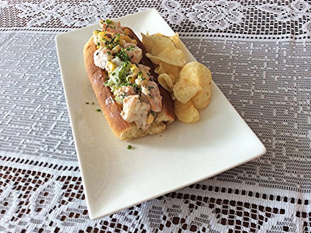 Sanduíche de recheio frio, normalmente servido com batata chips, fritas palito ou outro tipo de batata que você quiser.