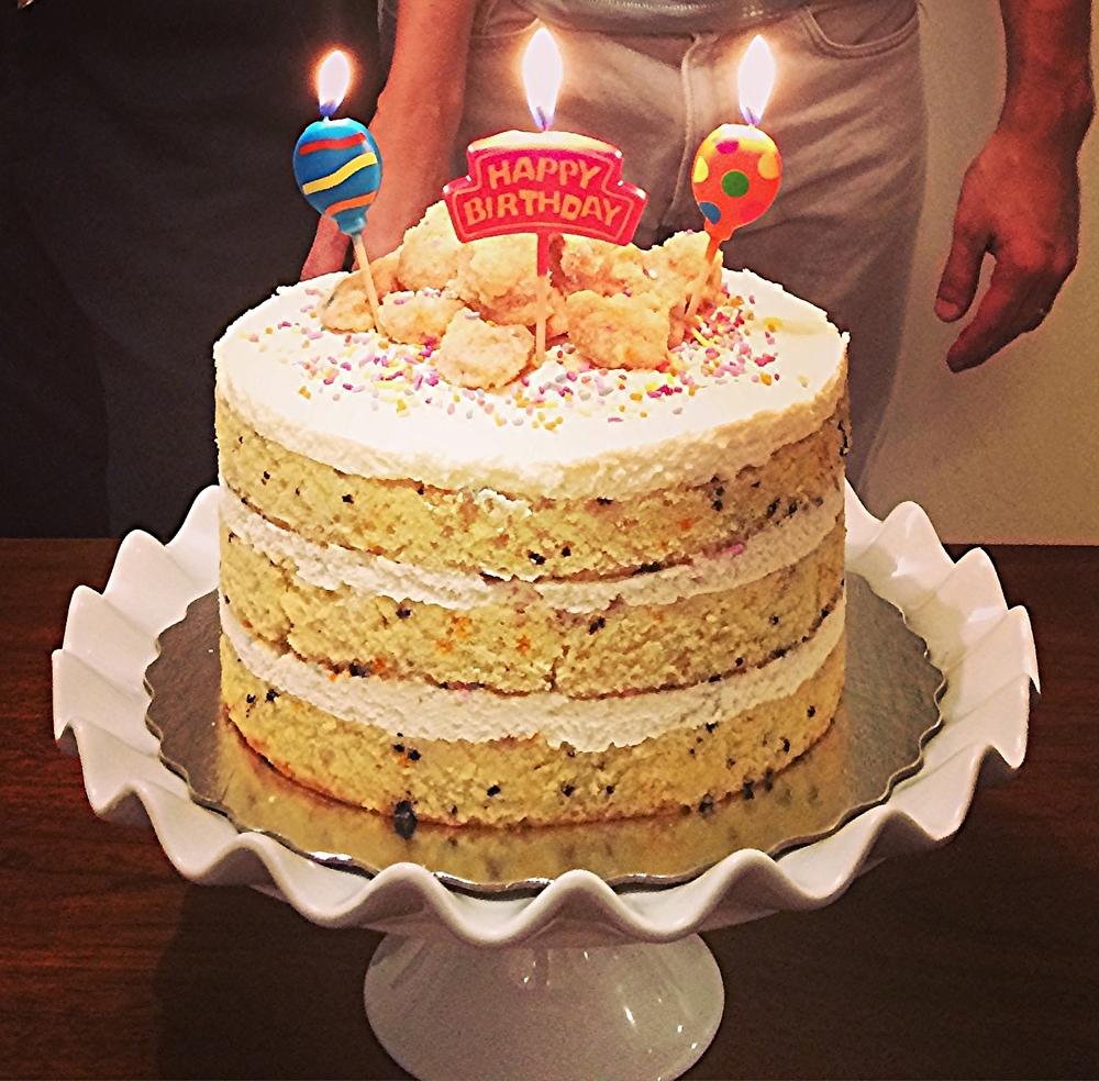 Este bolo serviu bem umas 20 pessoas.