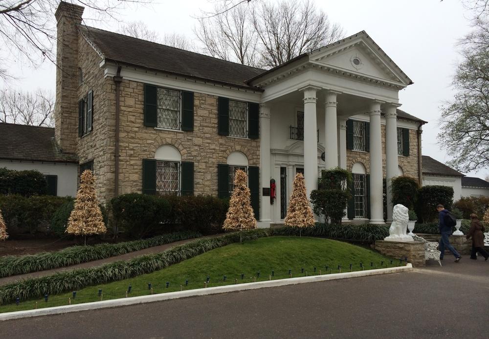 A fachada de Graceland.