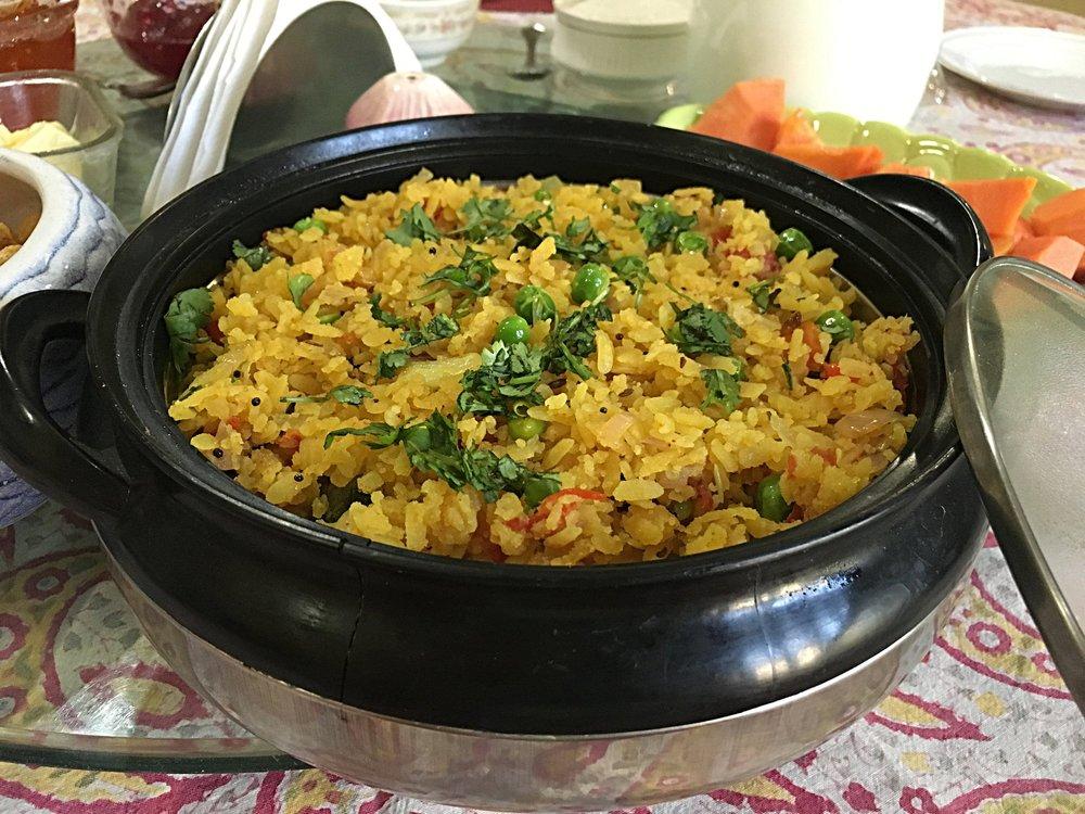 Poha , o arroz pro café da manhã. Delícia!