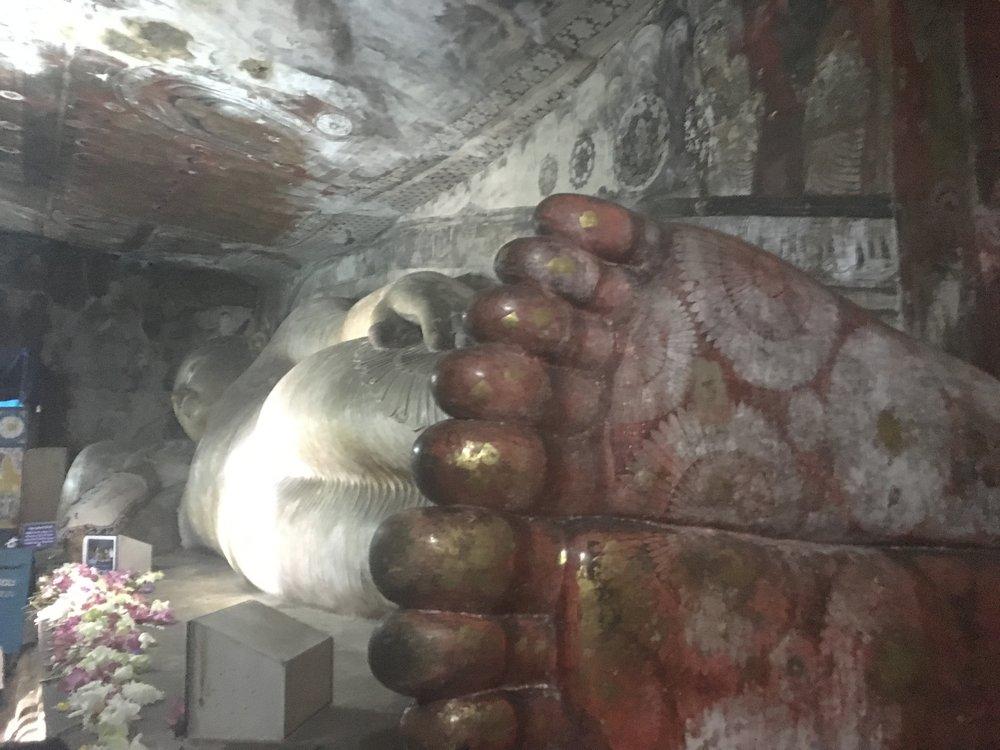 Esta é uma das estátuas de Buda deitado que há dentro do Rock Temple. Vale a pena ver!