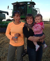 (L-R) Jeannette Tomtene, daughter Sarah & Blakely
