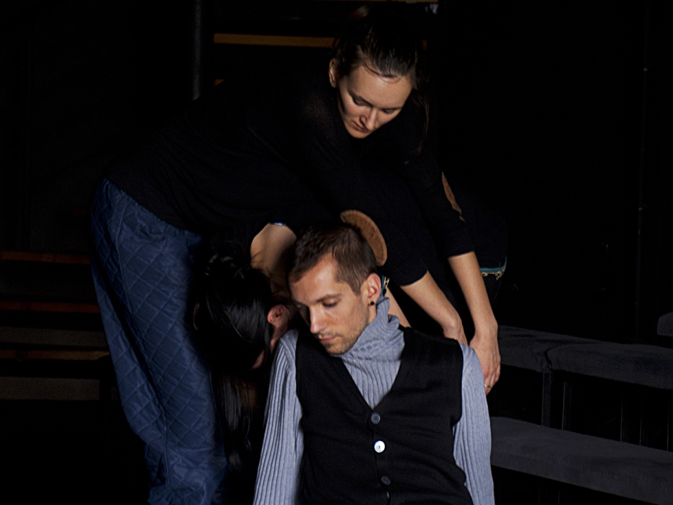 Alex-Mirutziu-studio2-performance-workshop-teatrul-de-comedie+(2).jpg