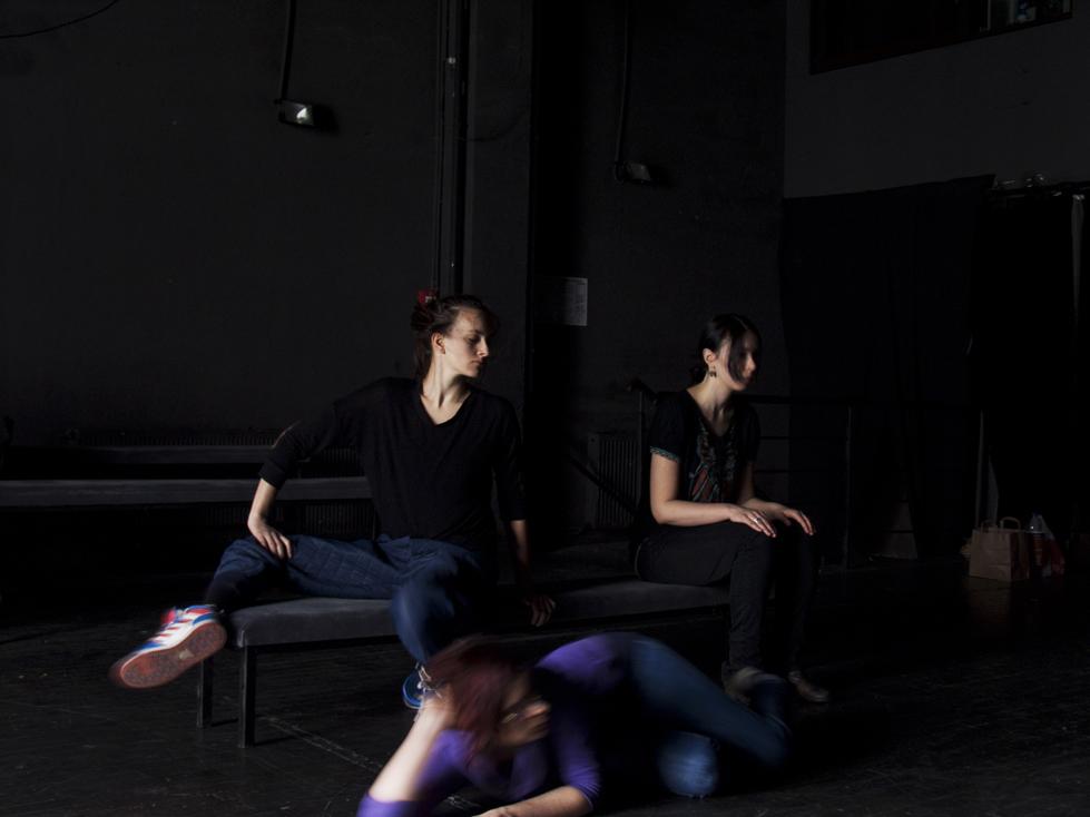 Alex-Mirutziu-studio2-performance-workshop-teatrul-de-comedie+(3).jpg