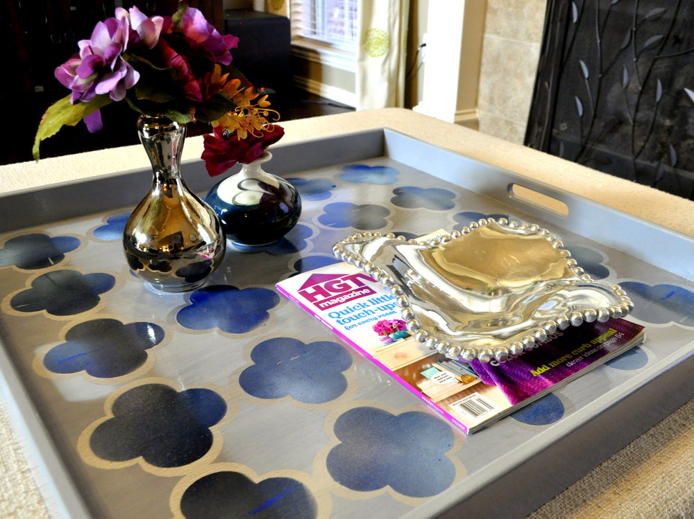 Blue and Gray Quatrefoil