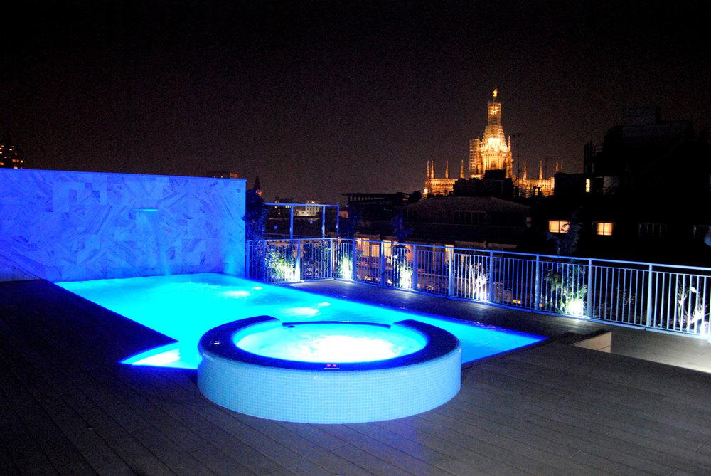 Piscina terrazza milano preformati italia piscine - Condominio con piscina milano ...