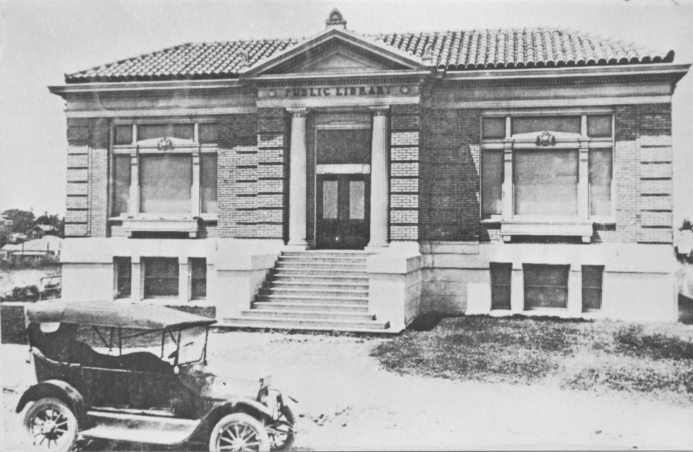 The brand new Roseville Public Library circa 1912.