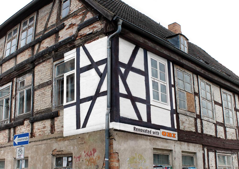 DESIGN_01_Renovated_Billboards-b_white_house.jpg