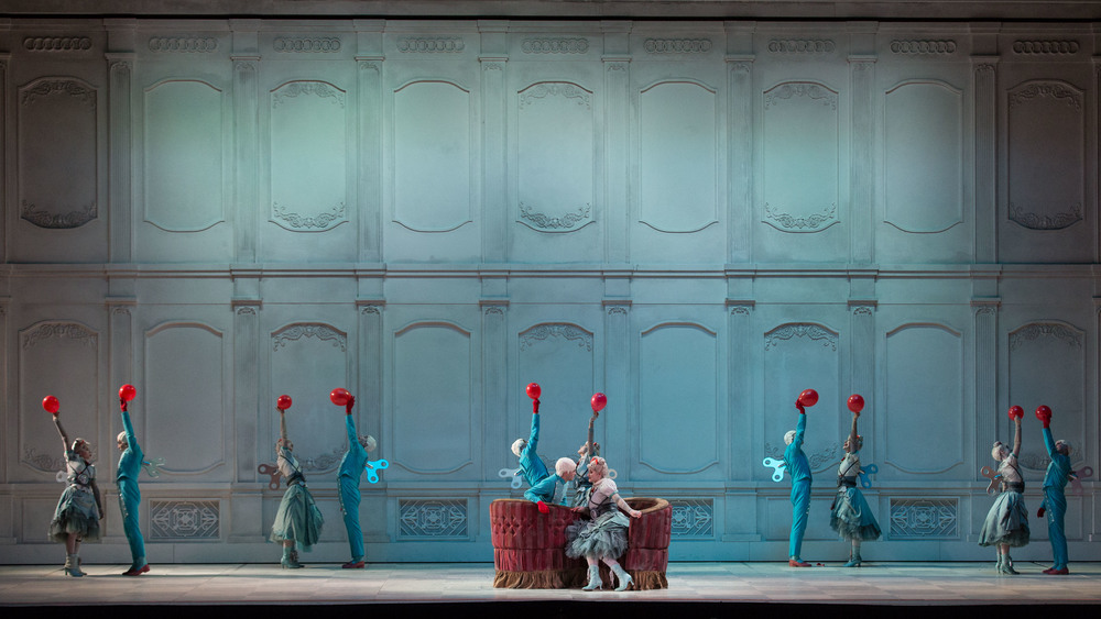 Gioacchino-Rossini-La-Cenerentola-regia-Emma-Dante-®Yasuko-Kageyama-Opera-di-Roma-2015-16-.jpg