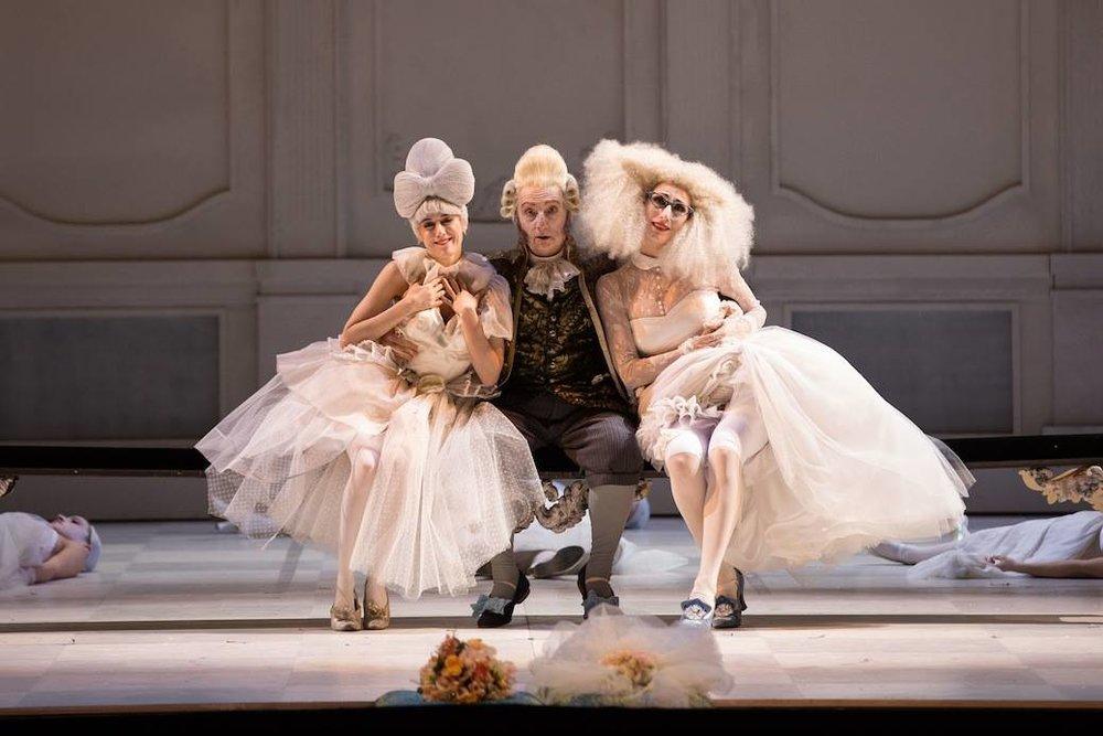 Cenerentola-di-Rossini-regia-Emma-Dante-ph.Yasuko-Kageyama-Opera-Roma-4.jpg