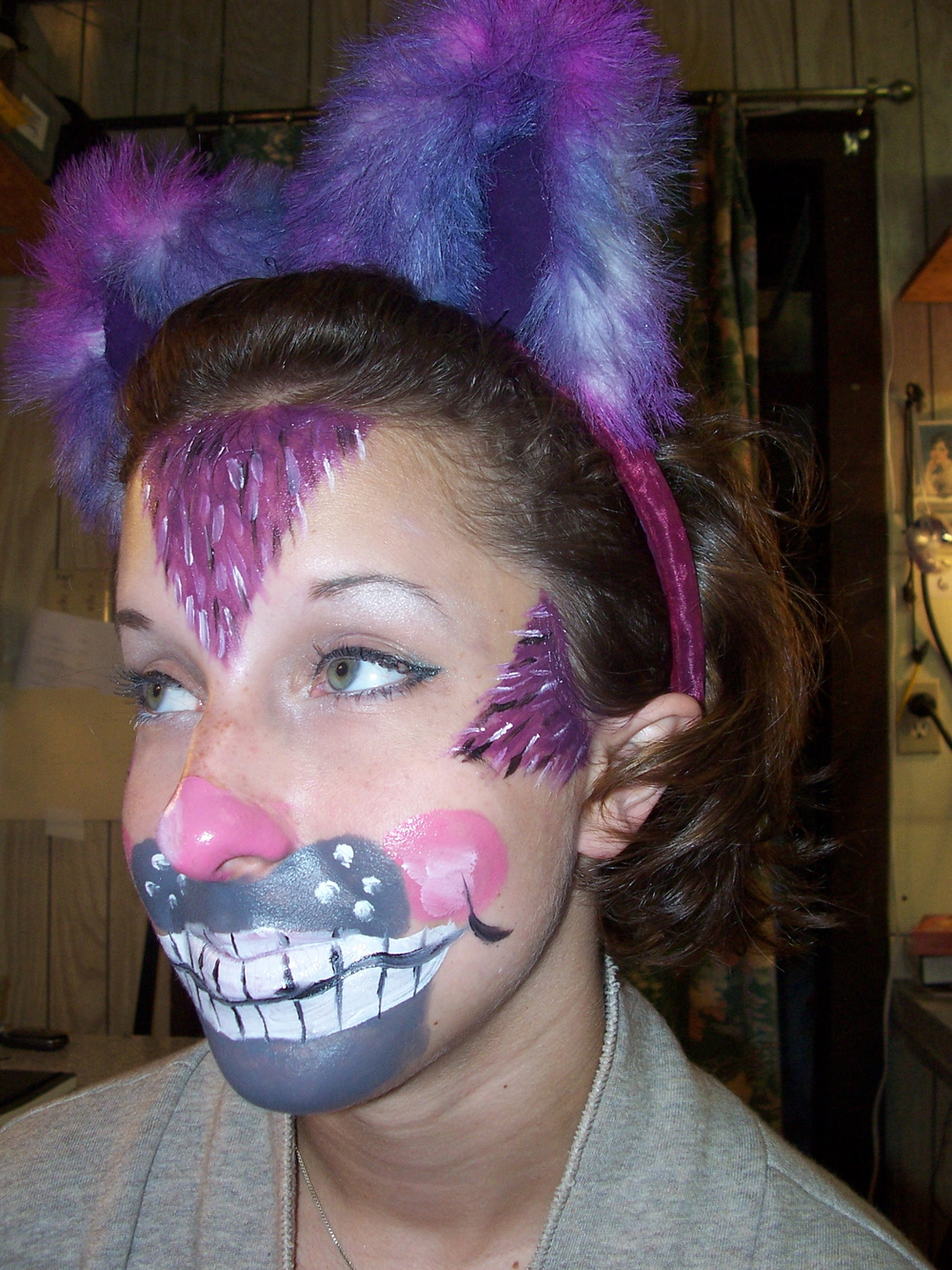 Alice in Wonderland - Cheshire Cat 2.JPG