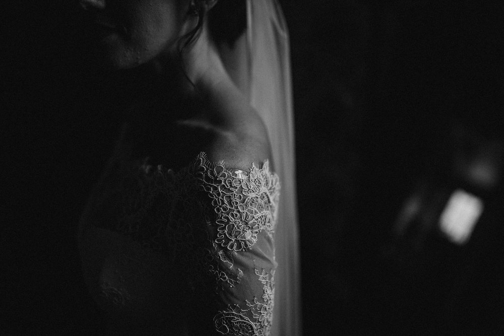 kirknewton stables wedding photographer (20).jpg