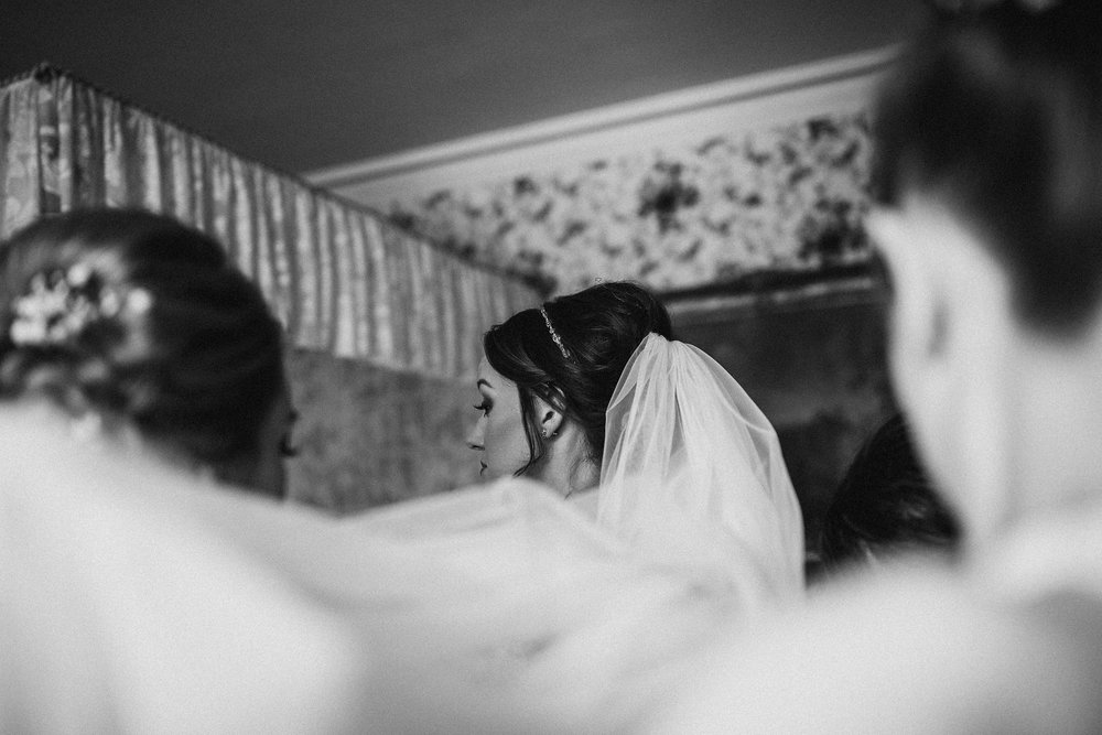 kirknewton stables wedding photographer (12).jpg