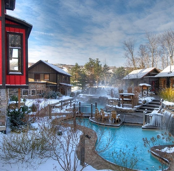 🎁 CONTEST ALERT🎁 So now that we've helped you shop for every foodie on your list, it's time to #treatyoself 😙 Head to Chew Street to win 2 Baths Passes to the beautiful Scandinave Spa Blue Mountain. It's a beautiful oasis in a beautiful region if Ontario, Grey County.  If you've been good this year, head to Chew Street for a chance to win! #foodiegiftguide #sponsored
