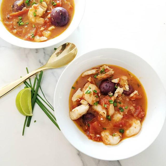 This is what we're eating this weekend ok? I turned a freezer full of shrimp and cod into this delicious stew that I'm now seriously addicted to ❤️ It's going nourish me all winter and I hope you like it as much as I do. Head to Chew Street for the recipe and get out if the cold and enjoy it! . . . . . . . . . . . .  #easyrecipes #fishstew #shrimp #cod #recipeoftheday #viewfromabove  #onthetable #foodstyling #foodphotography #beautifulcuisines #f52grams #foodinspiration #nourishyourbody #dinnerinspo #postitfortheaesthetic #healthy #paleo #eattheworld #healthyfoodshare #dinnerideas #grainfree #seafood #blackfoodbloggers #fbcigers