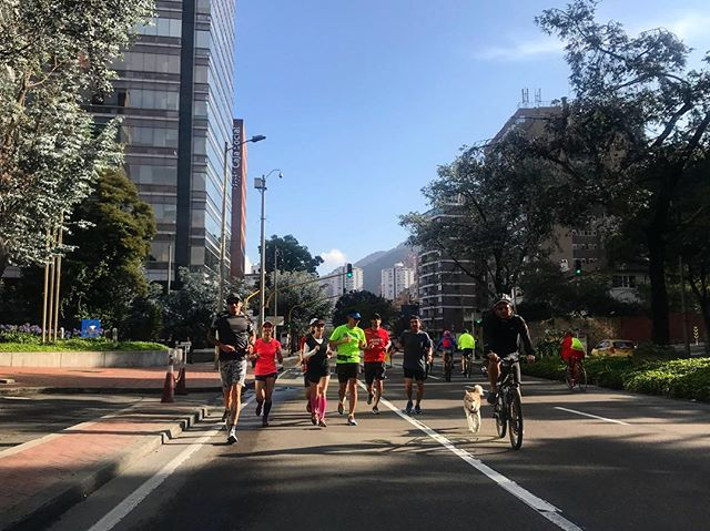 Goodwill runners en ciclovia con @patacoach  #runners #runningcolombia #soyungwr #goodwillrunners #adidascolombia #adidasrunning