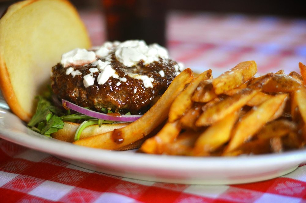 drh_nyc-2018-site-gallery-bacon-bourbon-jam-burger-fries-1-hor.jpg