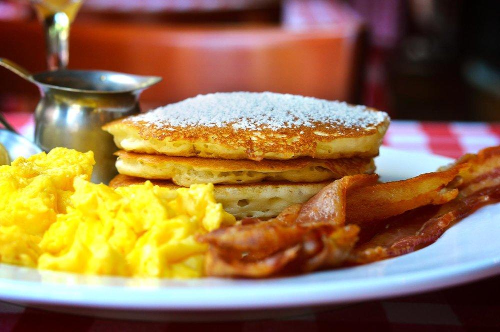 drh_nyc-2018-site-gallery-pancakes-eggs-bacon-1-hor.jpg