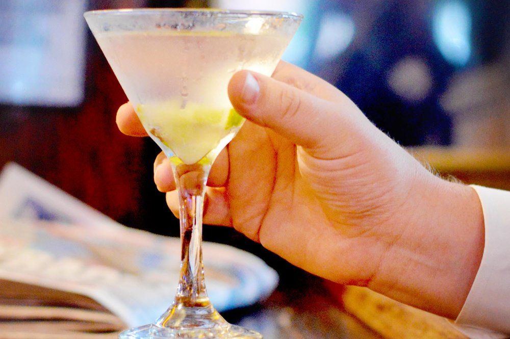 drh_nyc-2018-menu-drinks-martini-1-1500.jpg