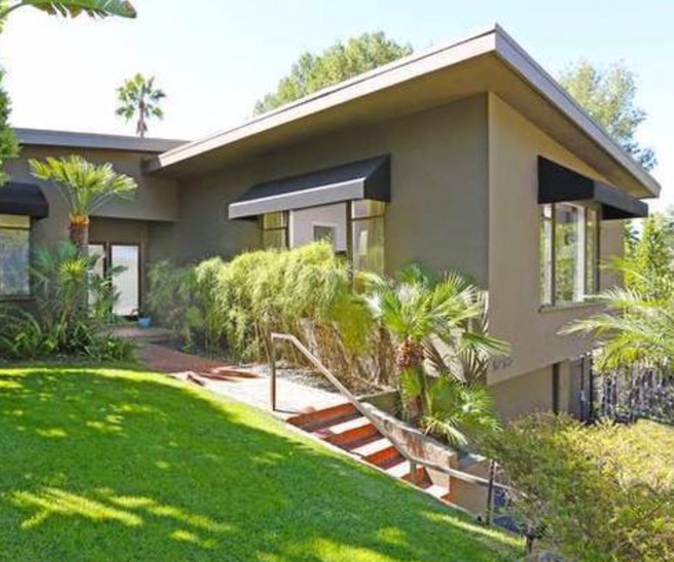 5750 Briarcliff Rd Los Angeles  90068 - $1,742,555