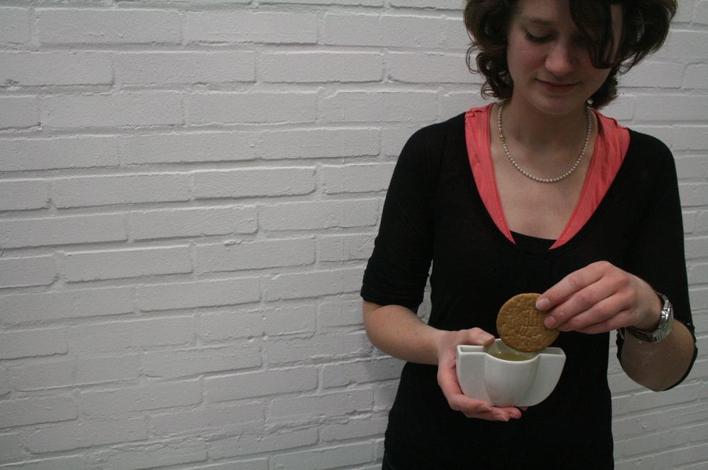 Dip-kopje, geglazuurd porselein / Dip-cup, glazed porcelain