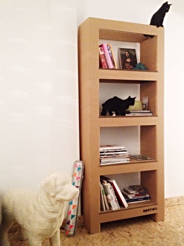 Kast, gevouwen karton / Bookcase, folded cardboard