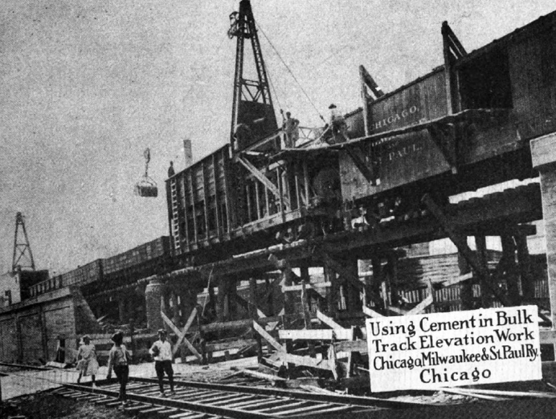 Construction crews work to elevate the Bloomingdale Line in 1914. Universal Bulletin, No. 123, Aug. 1914, pg. 144 - courtesy of ForgottenChicago.com