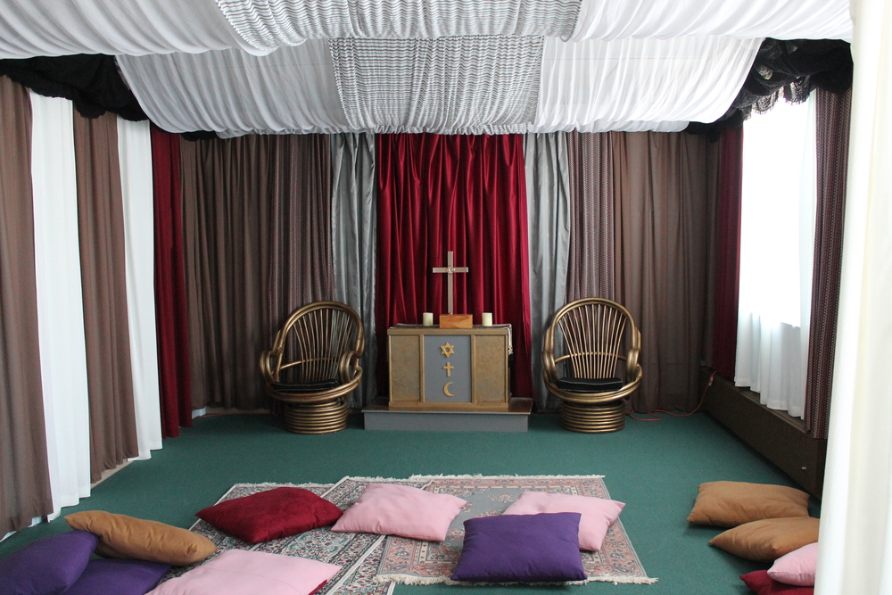 The Tent Room draws kids in with oversized floor pillows