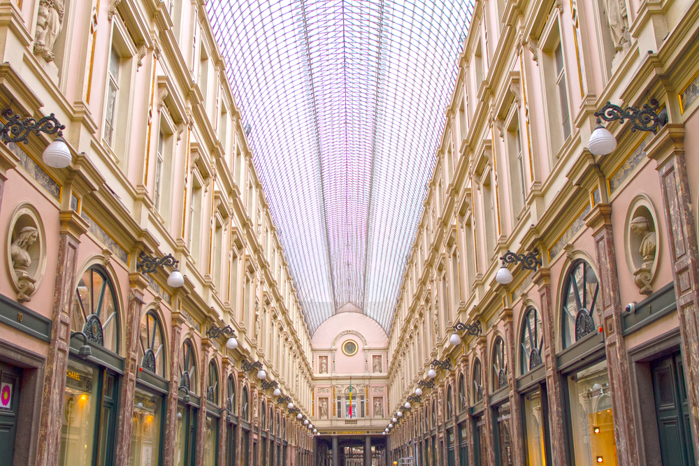 Walkway in Brussels.jpg