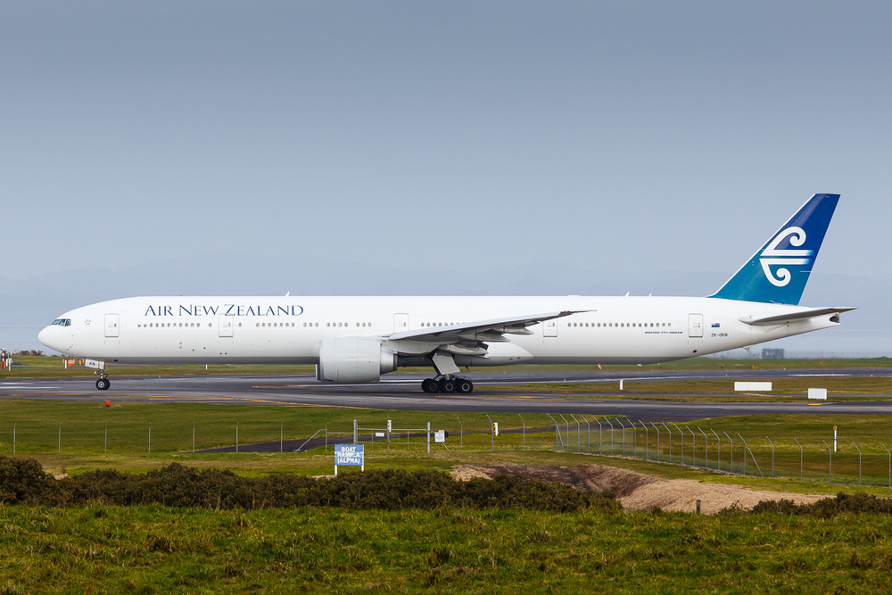 Air New Zealand Boeing 777-300ER ZK-OKN