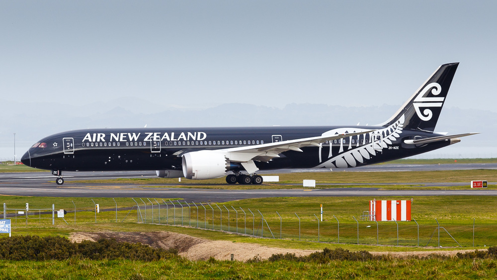 Air New Zealand Boeing 787-9 ZK-NZE