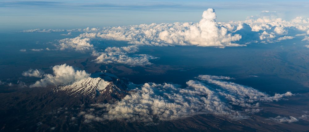 A little perspective. The top of Mount Ruapehu is 9,200ft. The towering cloud to the right of the picture is easily up to 25,000ft.