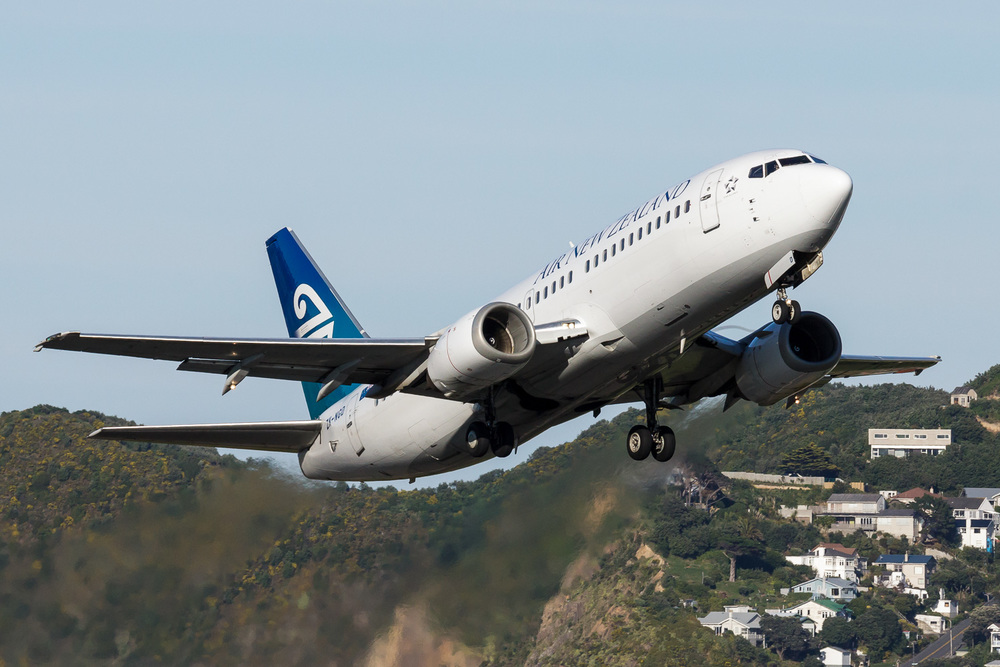 Air New Zealand Boeing 737-300 ZK-NGD departing Wellington.
