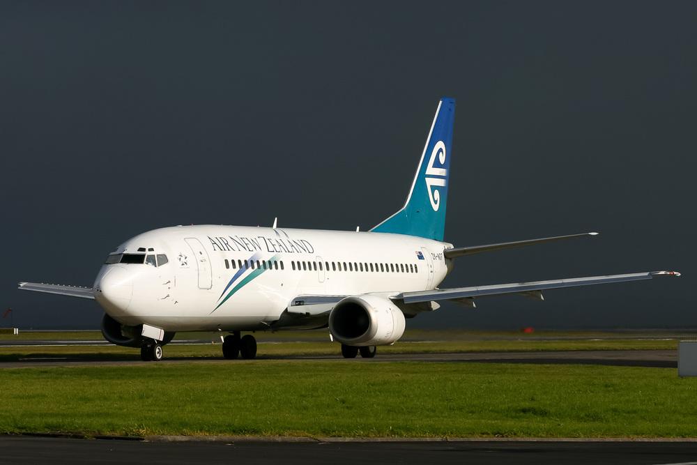 Boeing 737-300, ZK-NGF, NZAA