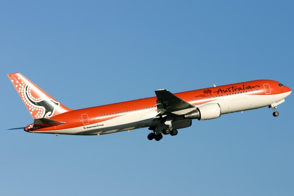 Boeing 767-300ER, VH-OGI, YSSY