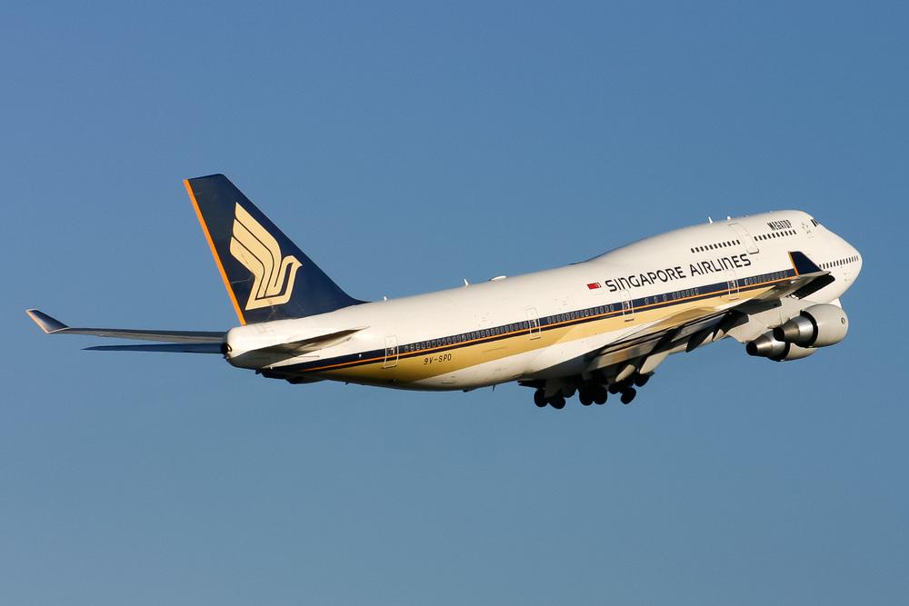 Boeing 747-400, 9V-SPO, YSSY