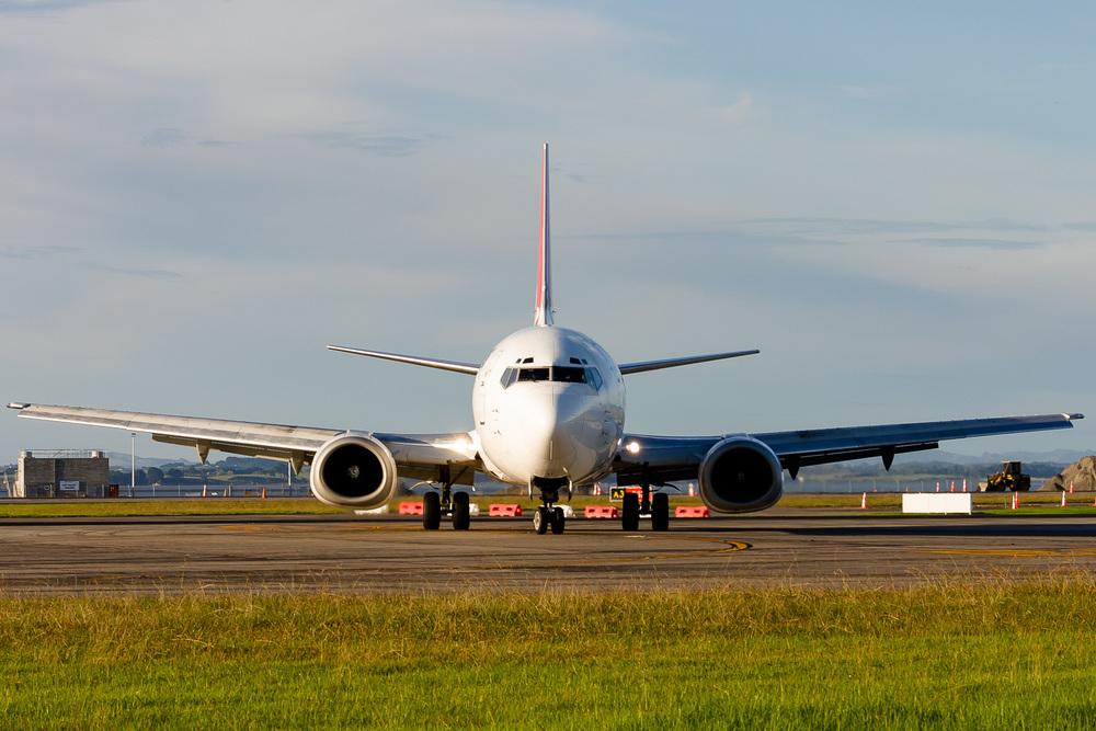 Boeing 737-300, ZK-JNO, NZAA