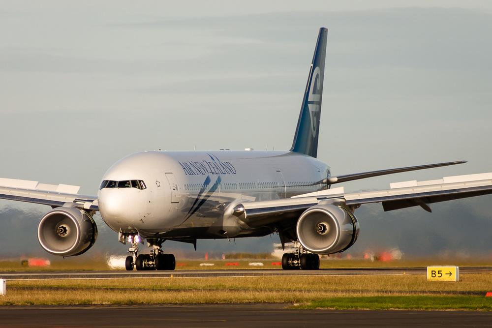 Boeing 777-200ER, ZK-OKA, NZAA