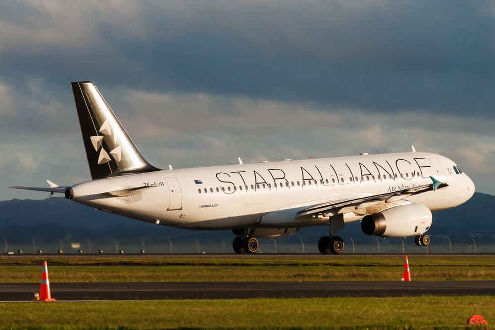 Airbus A340, ZK-OJH, NZAA