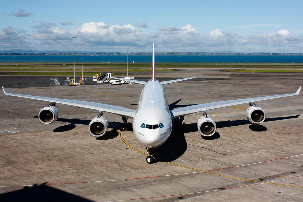 Airbus A340-500, A6-ERI, NZAA
