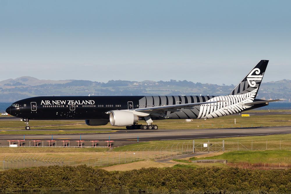Boeing 777-300ER, ZK-OKQ, NZAA