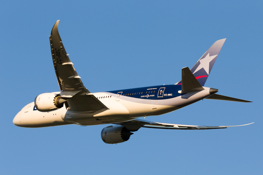 LAN Boeing 787-8 departing Auckland. CC-BBC