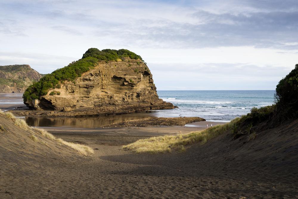 Ihumoana Island, Bethells Beach