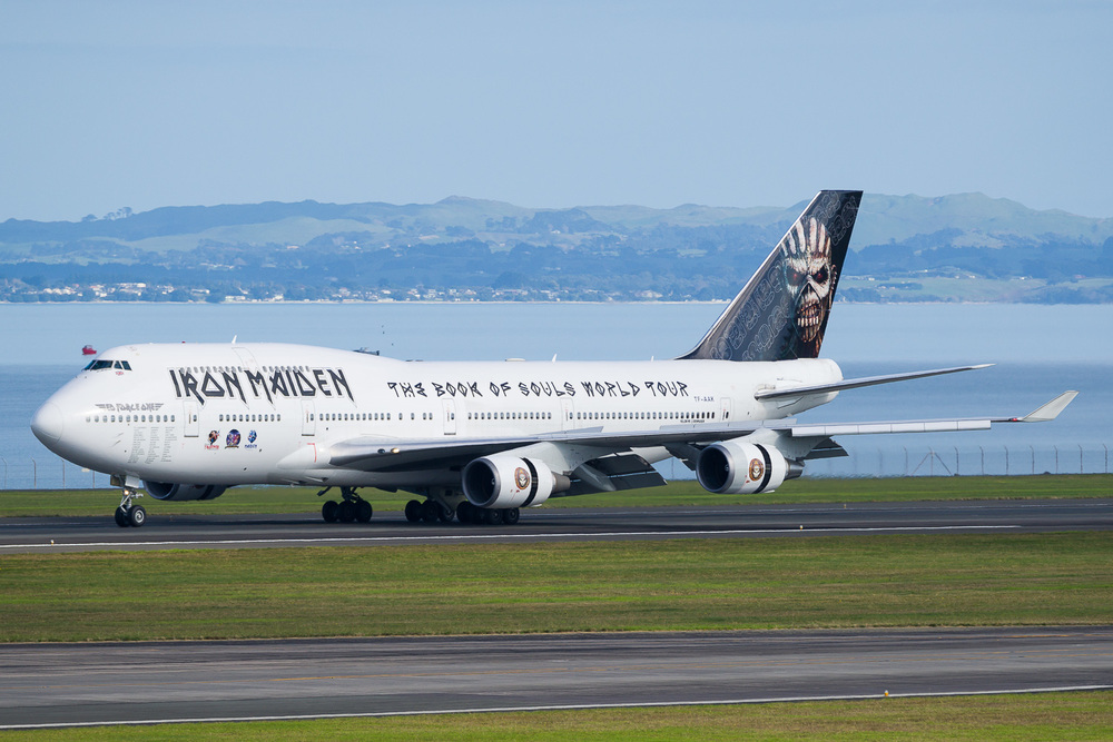 Iron Maiden Boeing 747-400 TF-AAK landing on runway 05R.