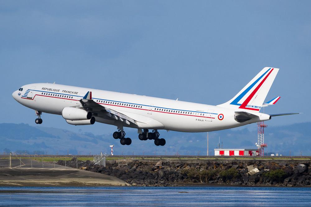 COTAM (Commandement Du Transport Aerien Militaire Francais) 0023 landing on runway 05R A340-200 F-RAJA.