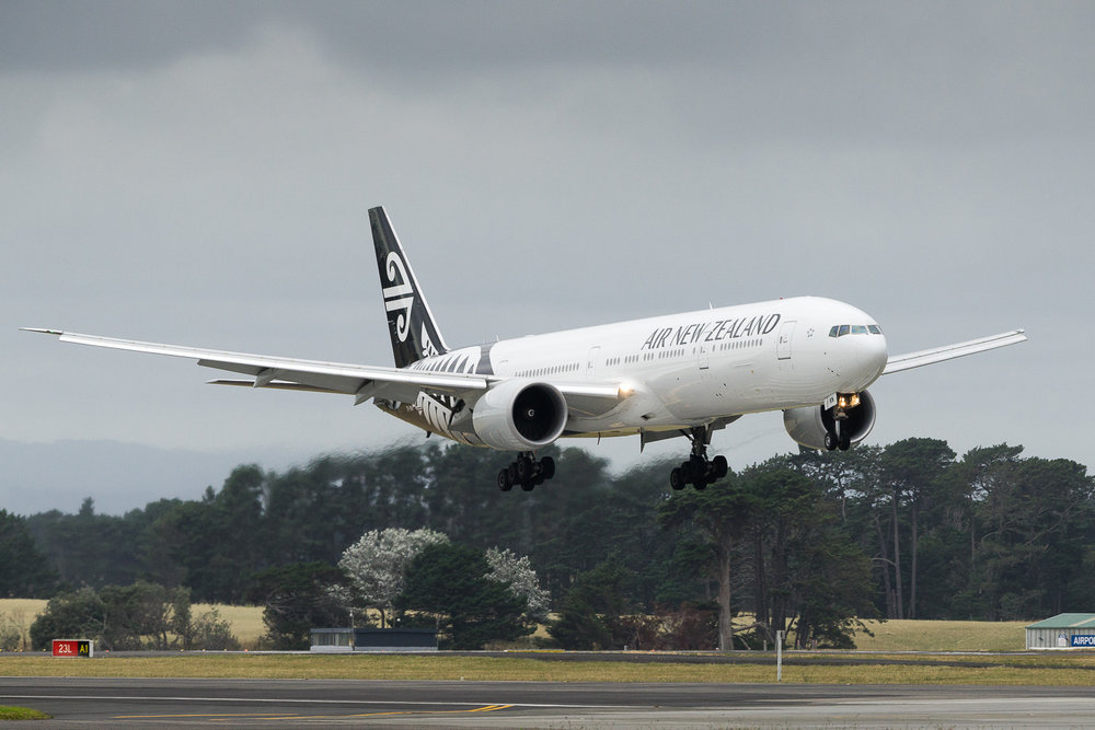 Air New Zealand Boeing 777-300ER ZK-OKN arriving on 23L at Auckland as NZ136 from Brisbane. January 2017