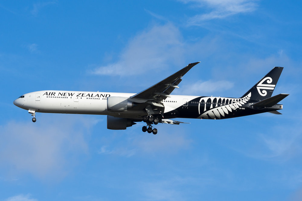 Air New Zealand Boeing 777-300ER ZK-OKS arriving in Auckland as NZ5 from Los Angeles. January 2017